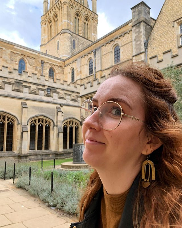 Trying to blend in like I go to Oxford and get to eat in the great hall and chat with Tolkien and C.S. Lewis at their favorite pub on the daily. I think I did it? 🤫