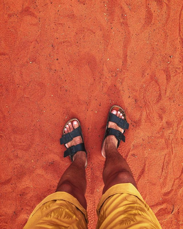 Sand in the desert is RED, y'all. 🤯 #outback #jamsepicaussieadventure