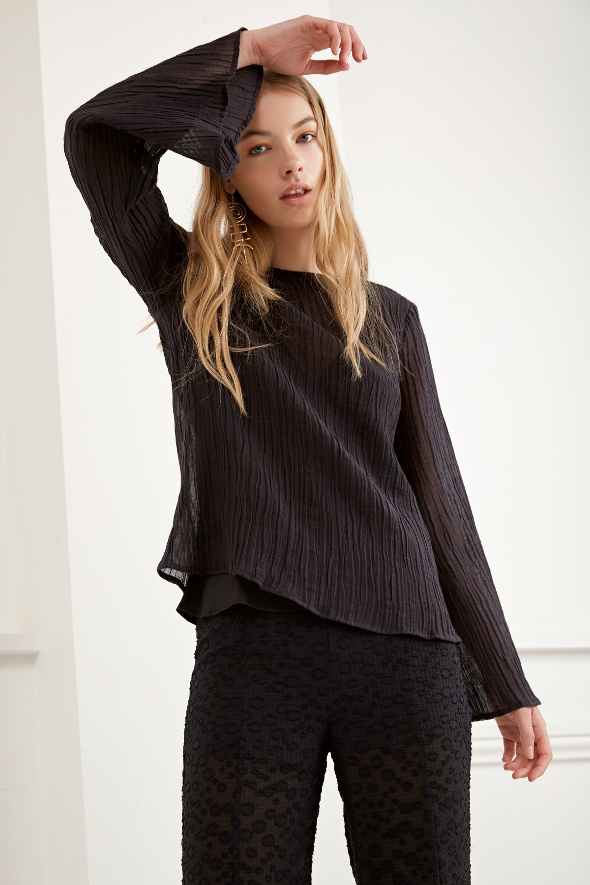 C/MEO COLLECTIVE Evoke L/S Top