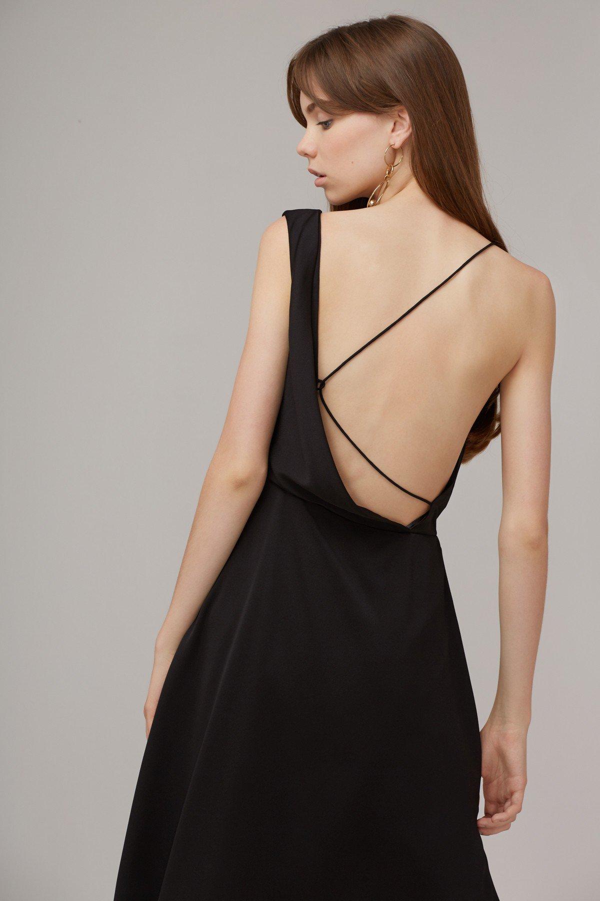Shop Sidelines Midi Dress.