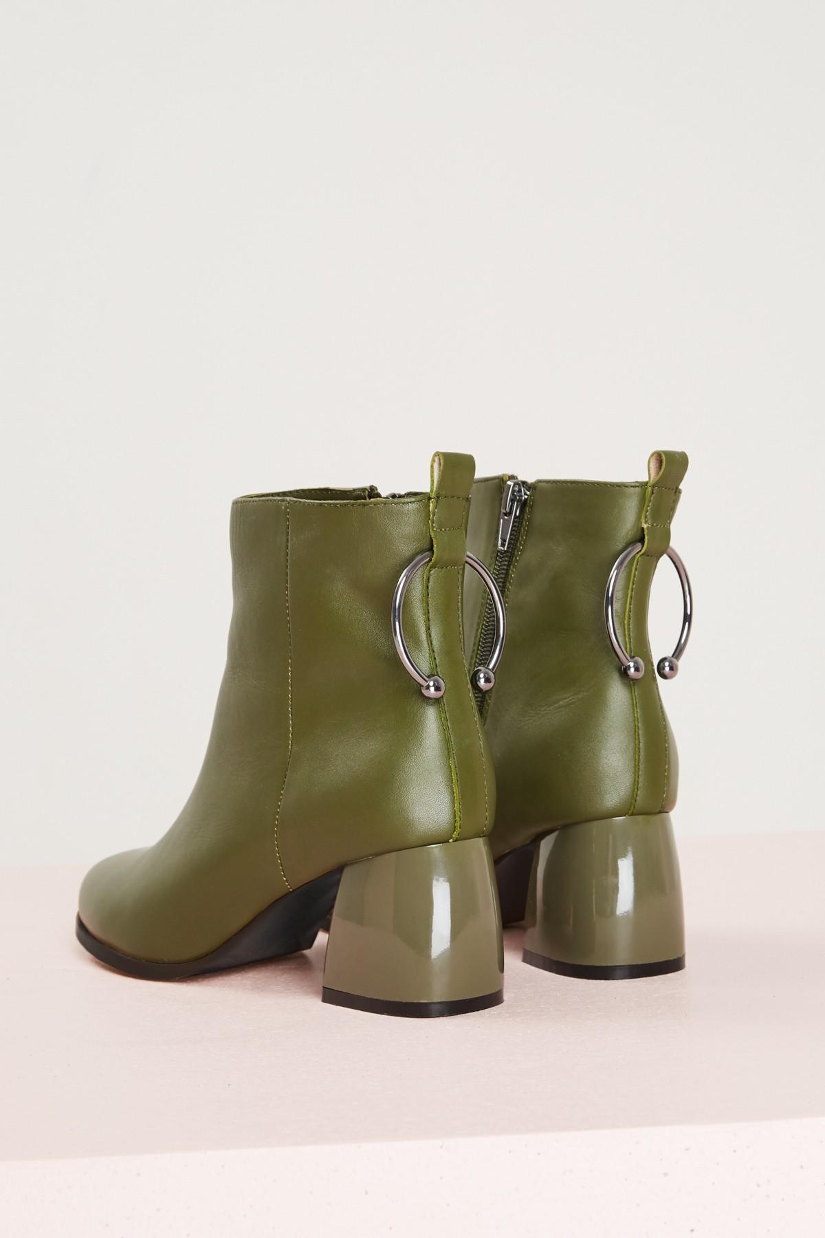 Shop JAGGAR Bull Boot.