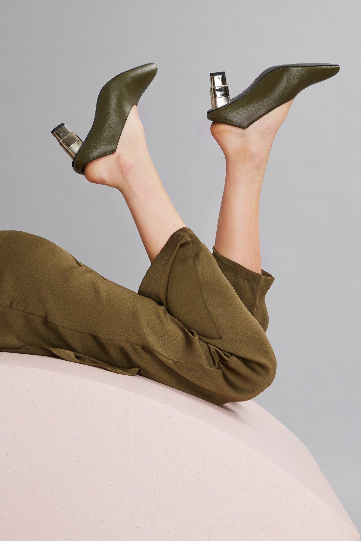 JAGGAR V-Cut Heel