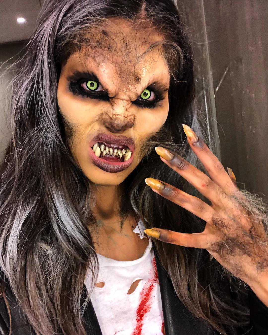 Sara Sampaio as a werewolf // via instagram.com/sarasampaio