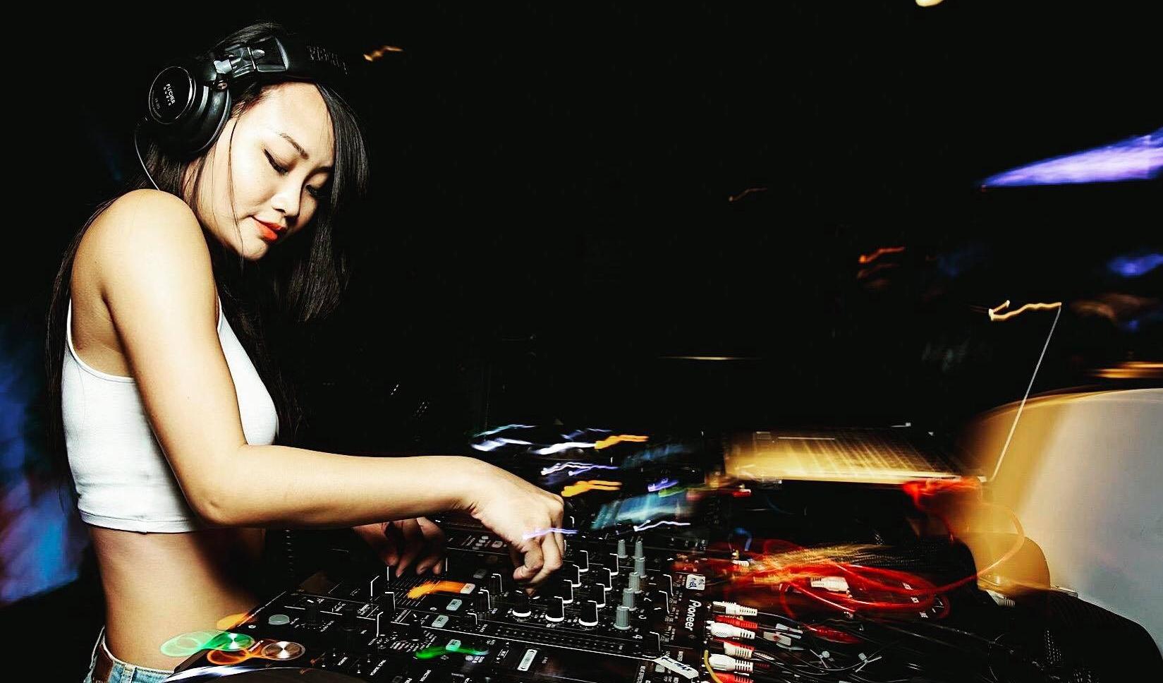 DJ Kendra Elektrokat