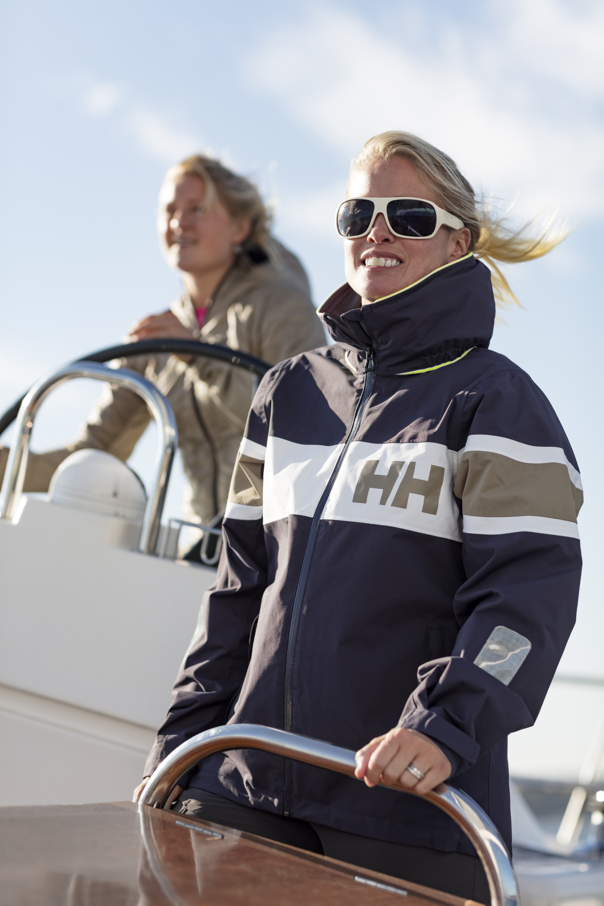 Helly-Hansen-photo-sailing-girl.jpg