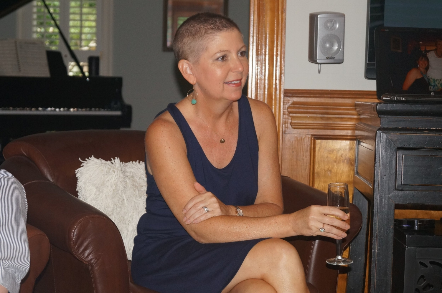 Suzanne with her head shaved, starting treatment