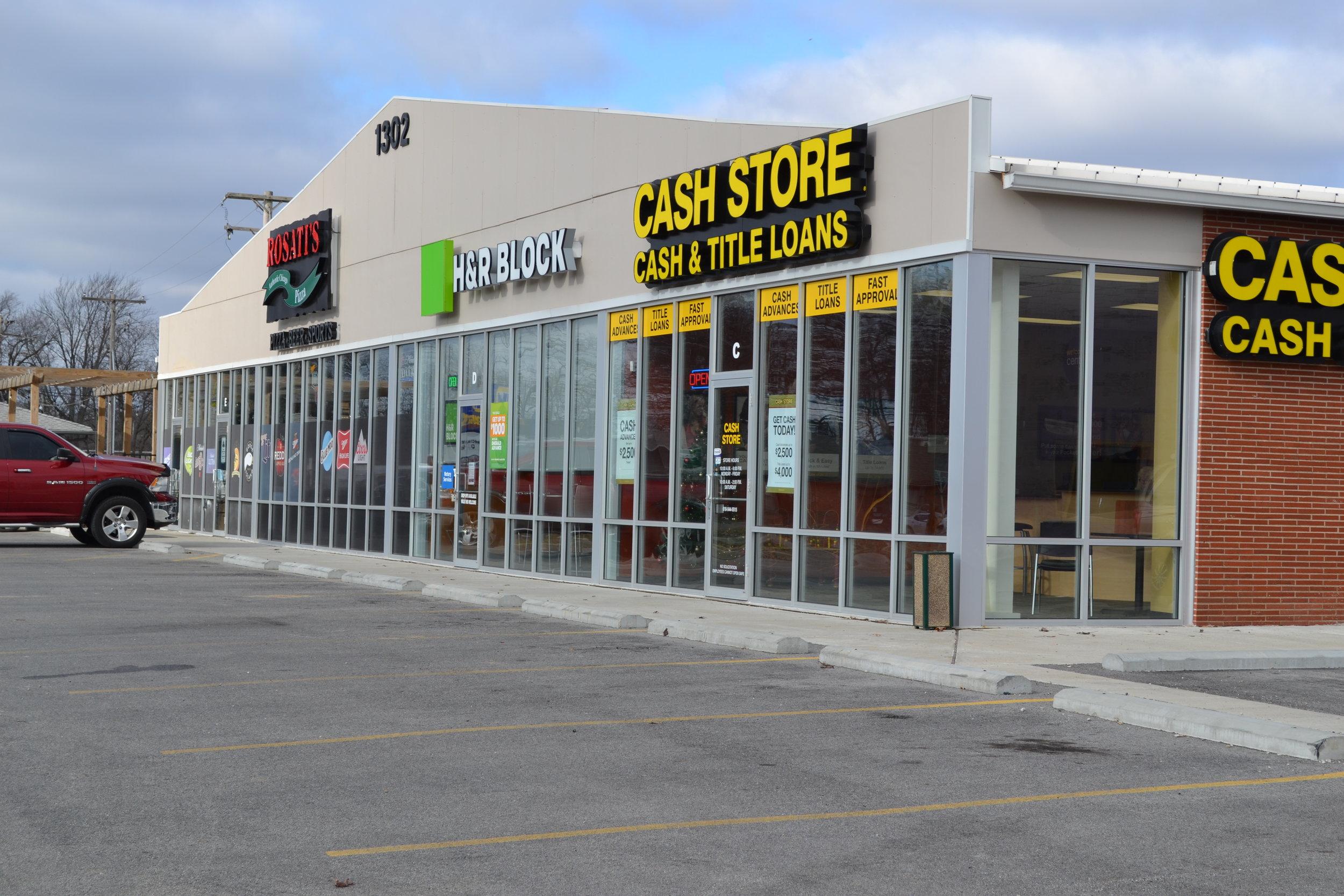 Shopping Plaza in Robinson, IL