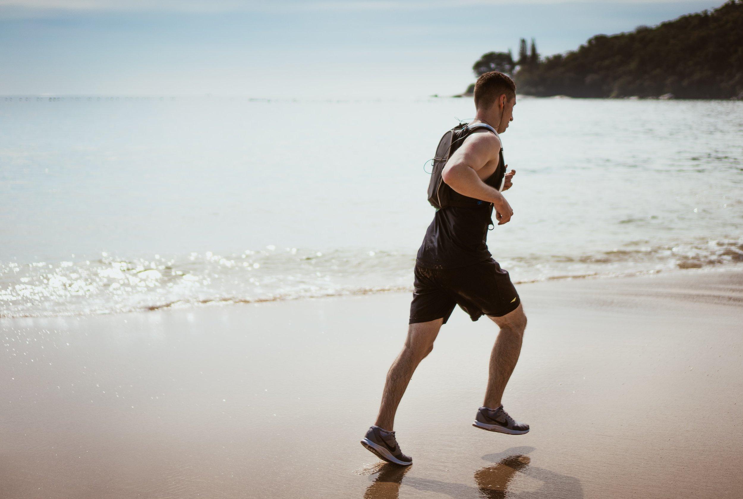 beach-enjoyment-exercise-1390403.jpg