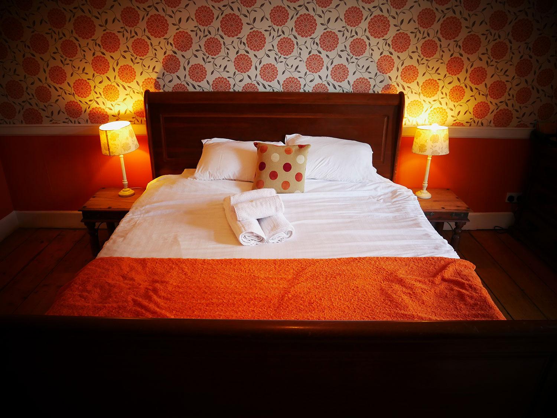 room-2-bed-grove-ferry-yummy-pub-co.jpg