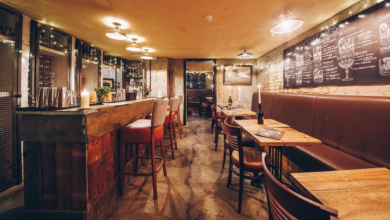 cellar-bar-feature-clarence-tavern-yummy-pub-co.jpg