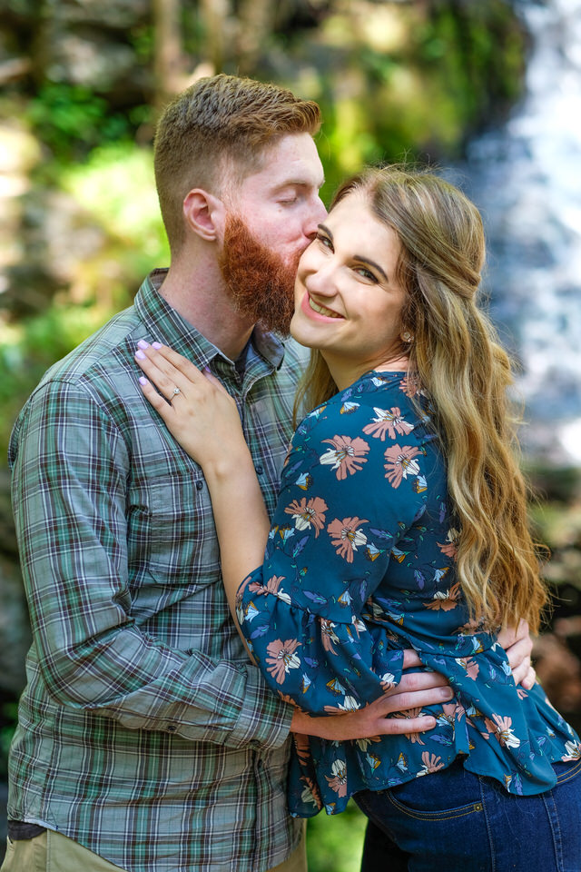 Candid_photography_engagement_waterfall-150.jpg