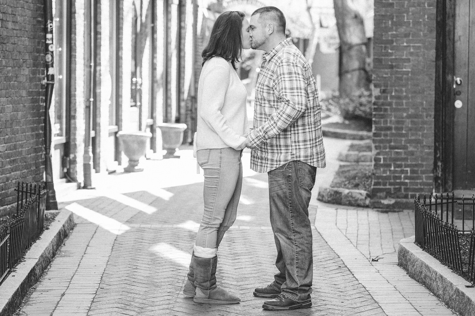candid-portsmouth-nh-engagement-photography-16.jpg