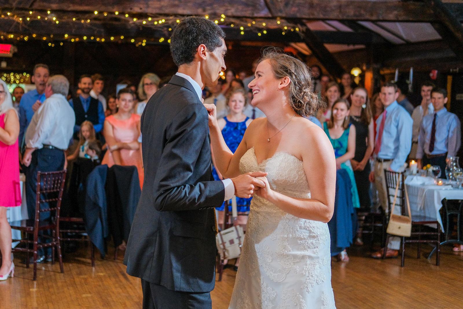 candid-vermont-wedding-photography-1051.jpg