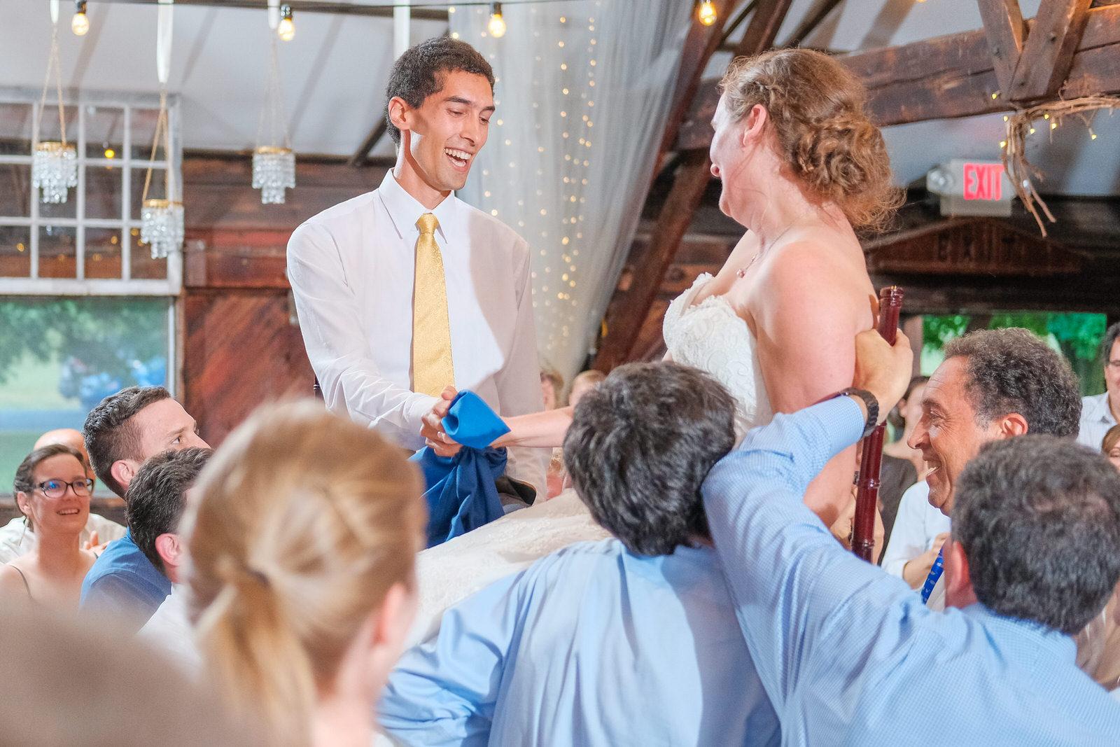candid-vermont-wedding-photography-1375.jpg