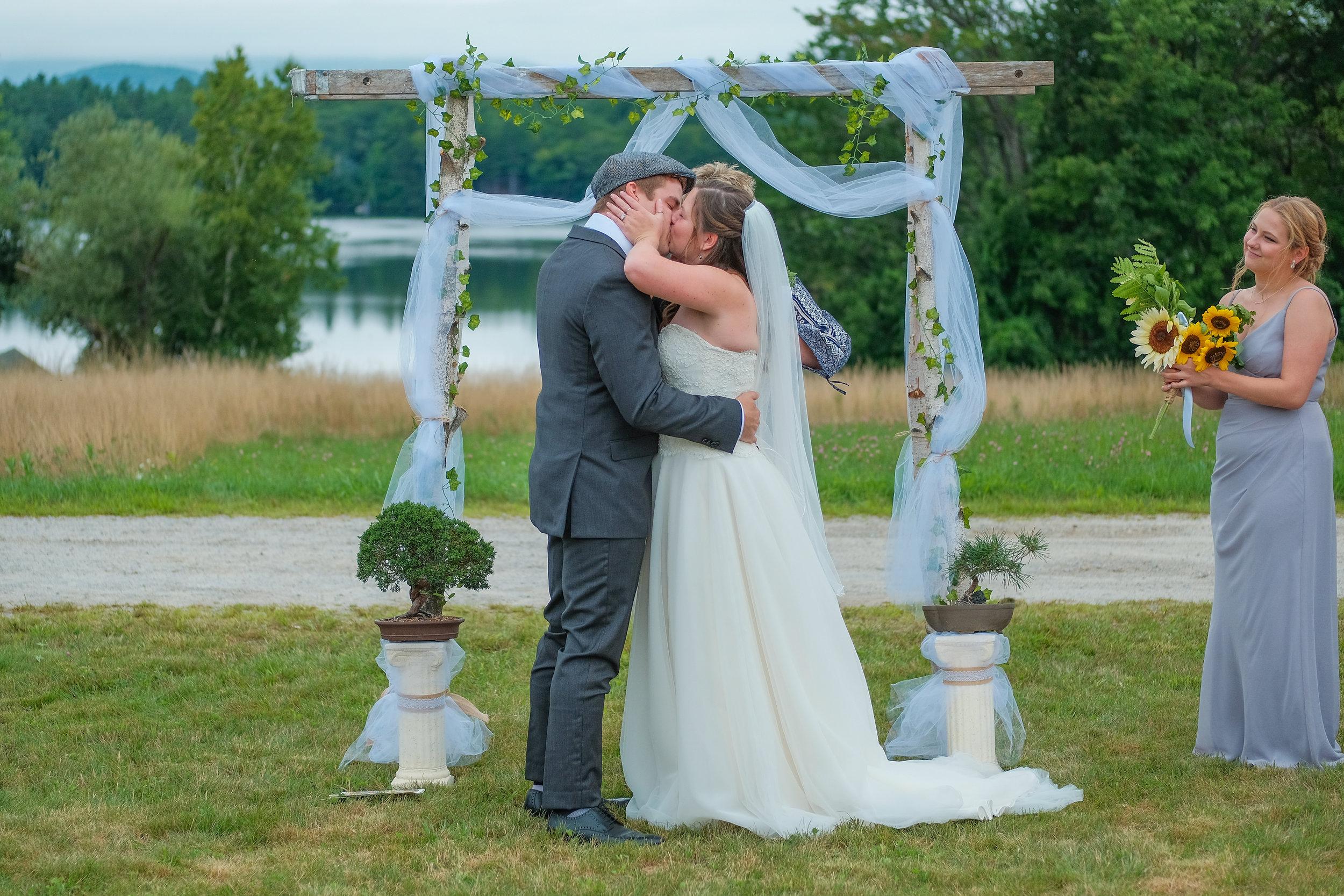 backyard-nh-wedding-photography-577.jpg