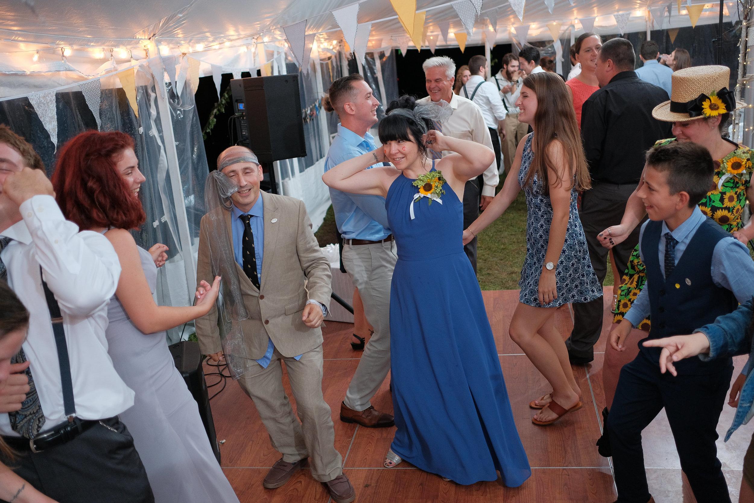 backyard-nh-wedding-photography-1200.jpg