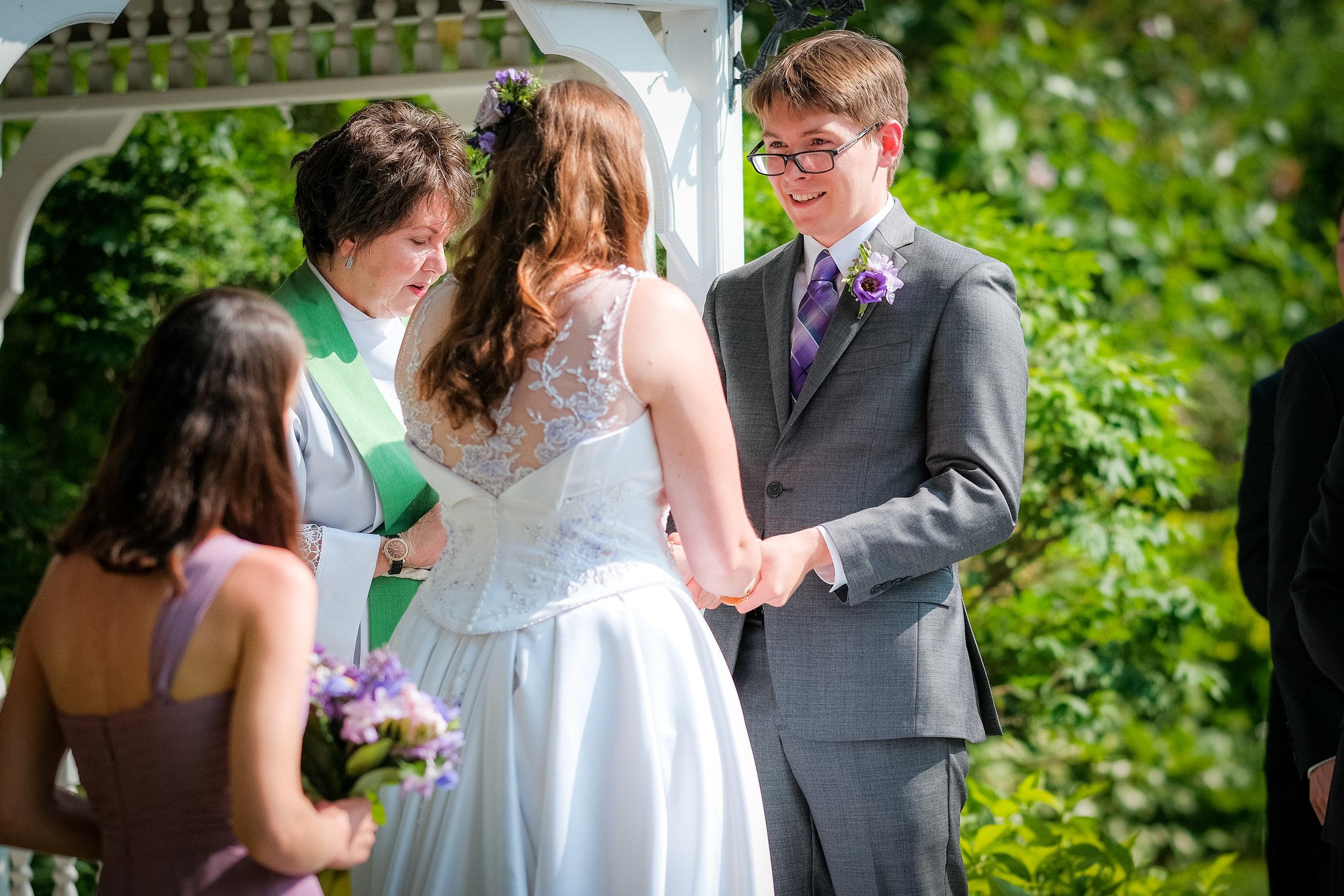 Vermont-Lilac-Inn-Wedding-Photography-650.jpg