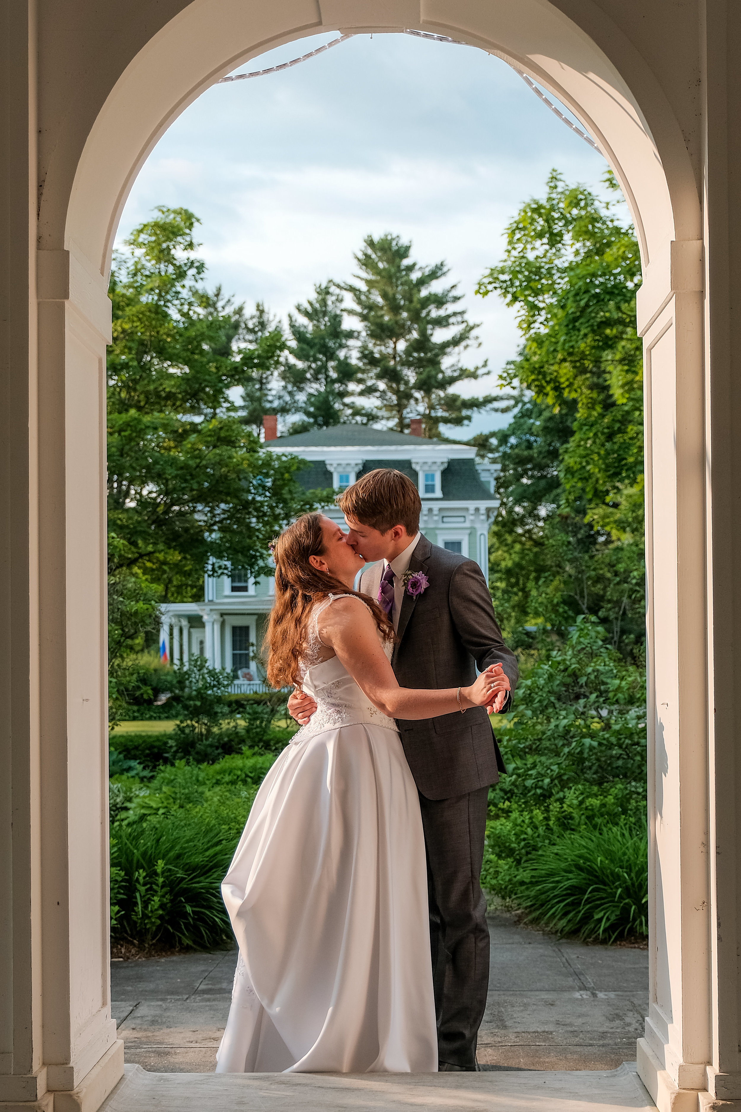 Vermont-Lilac-Inn-Wedding-Photography-930.jpg