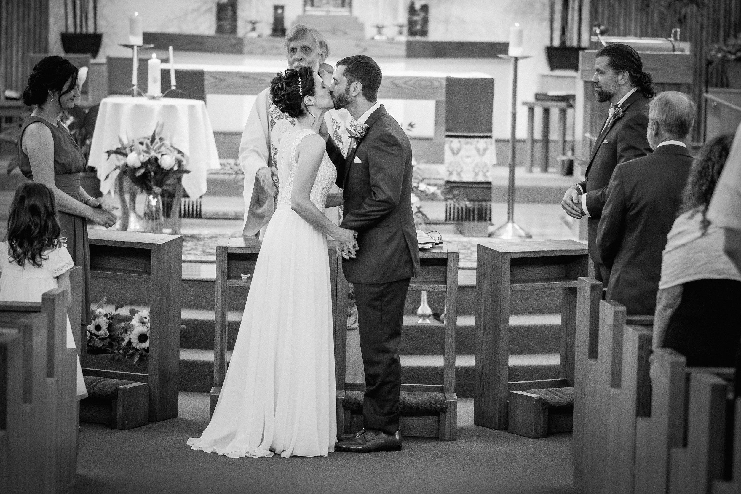 Peabody-Smith-Barn-Wedding-Photography-13.jpg