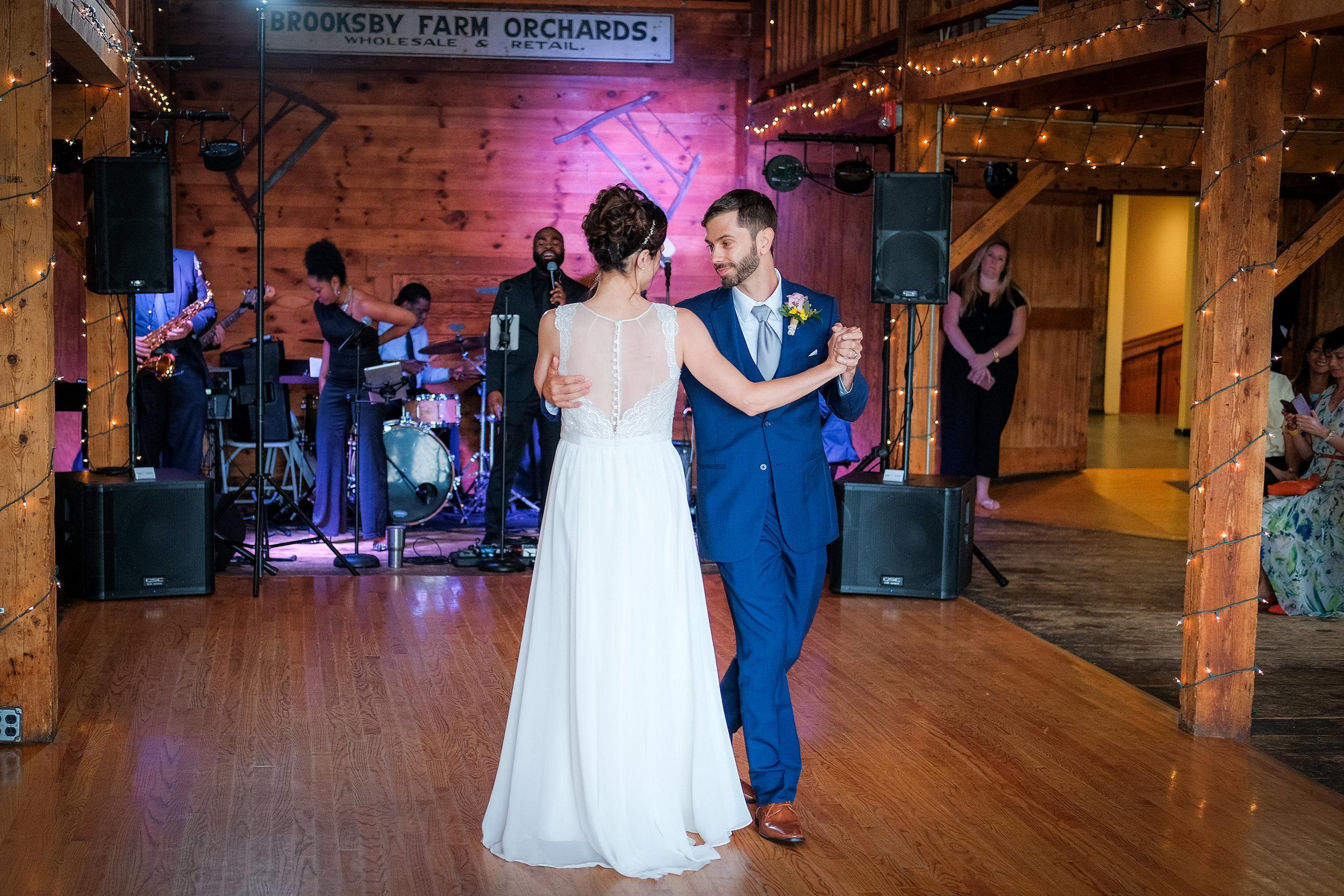 Peabody-Smith-Barn-Wedding-Photography-22.jpg