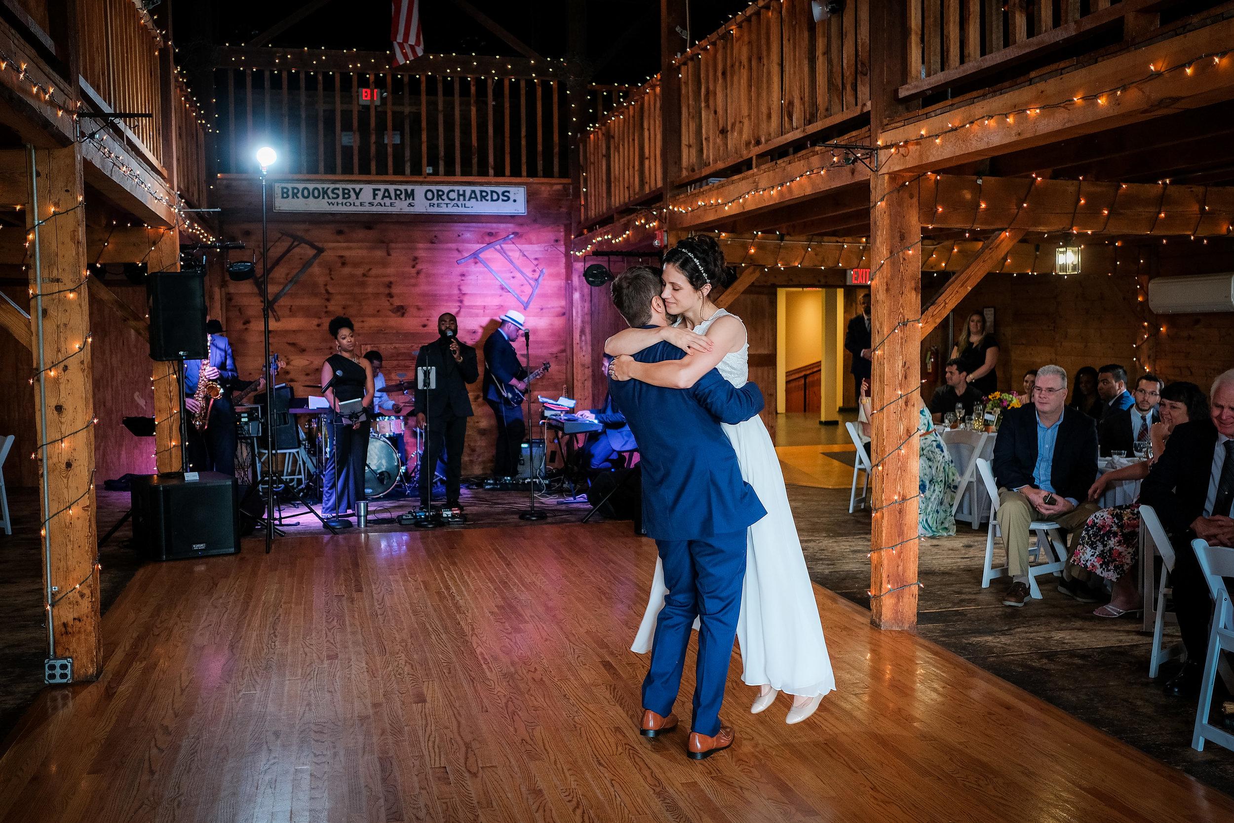 Peabody-Smith-Barn-Wedding-Photography-27.jpg