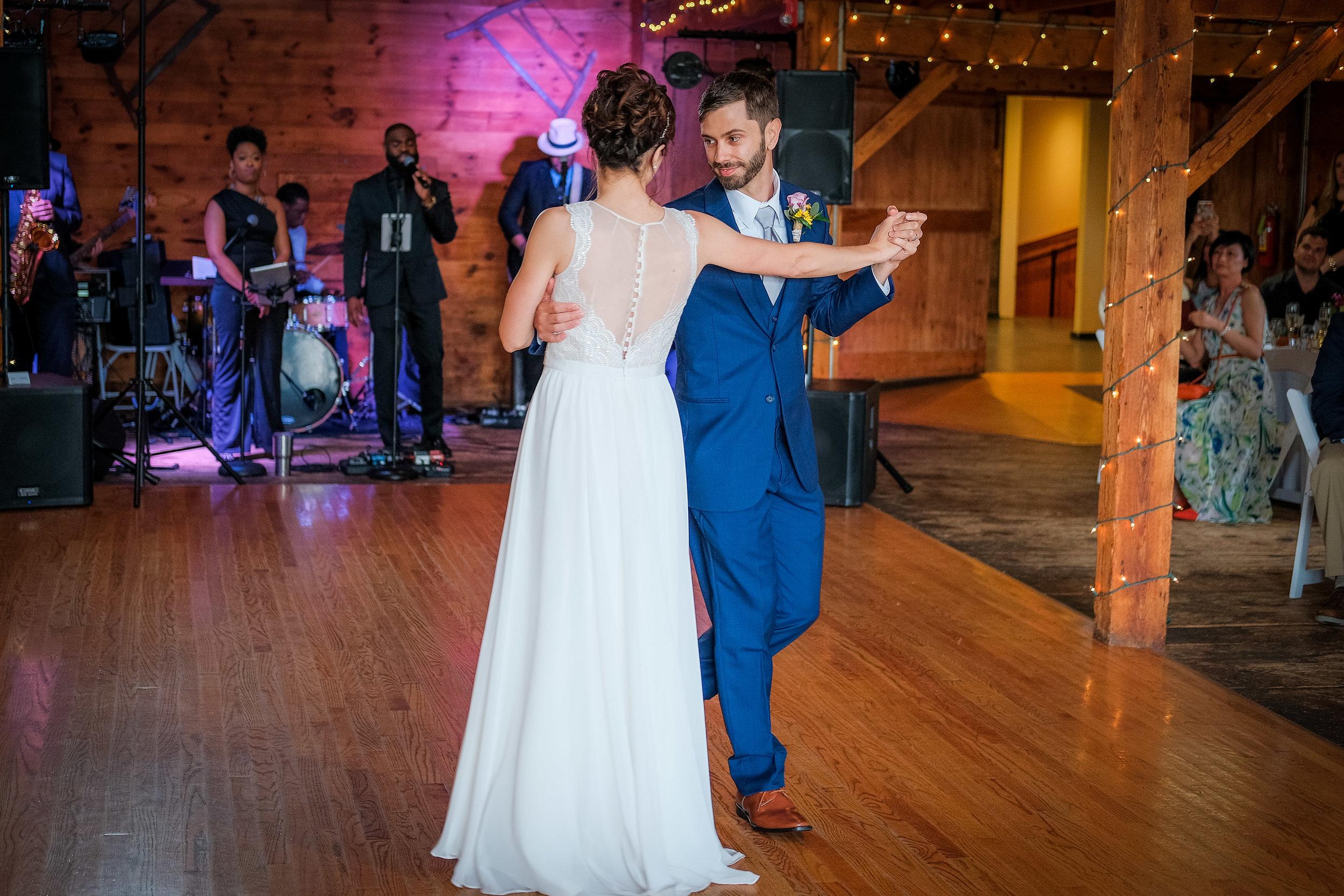 Peabody-Smith-Barn-Wedding-Photography-29.jpg