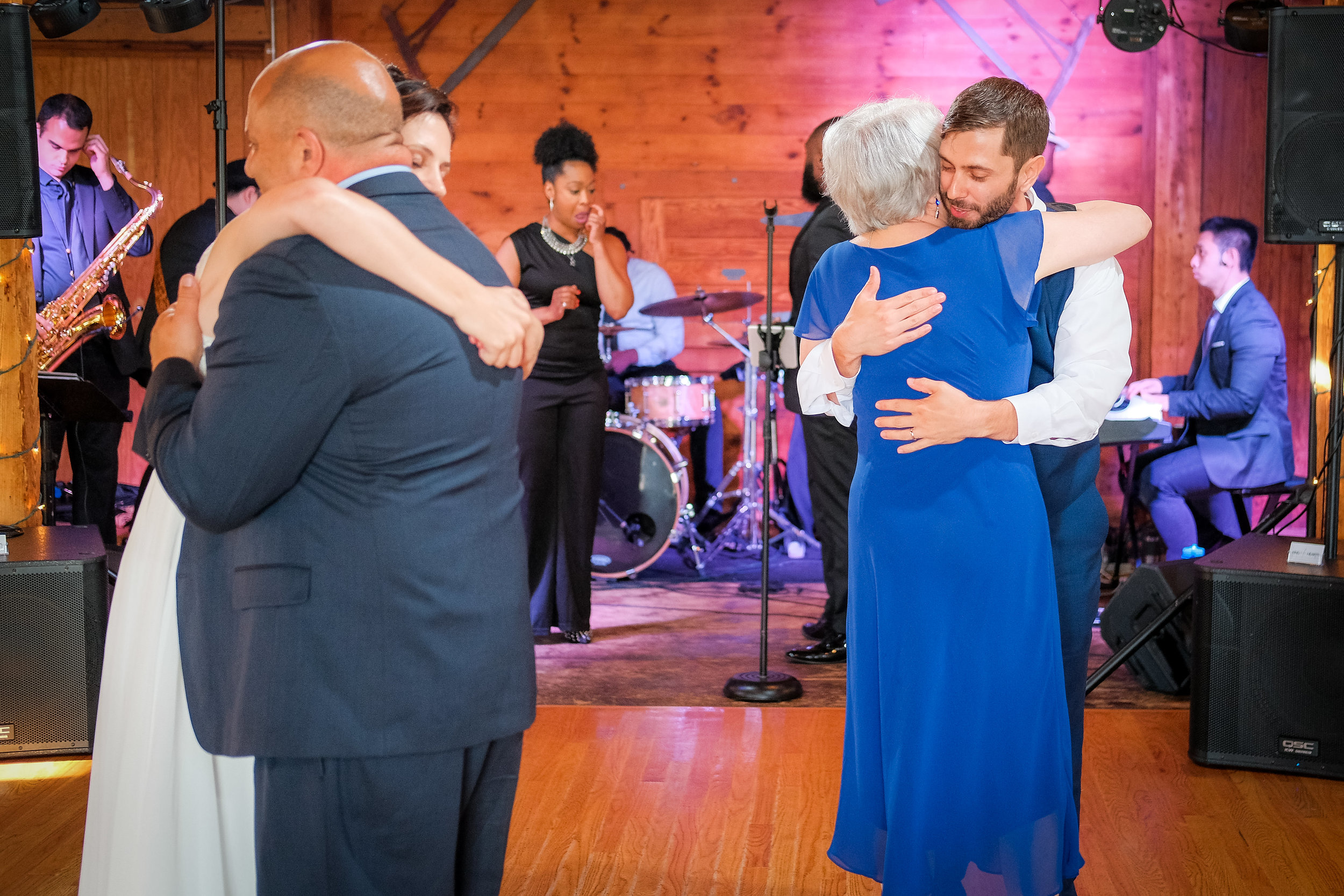 Peabody-Smith-Barn-Wedding-Photography-42.jpg