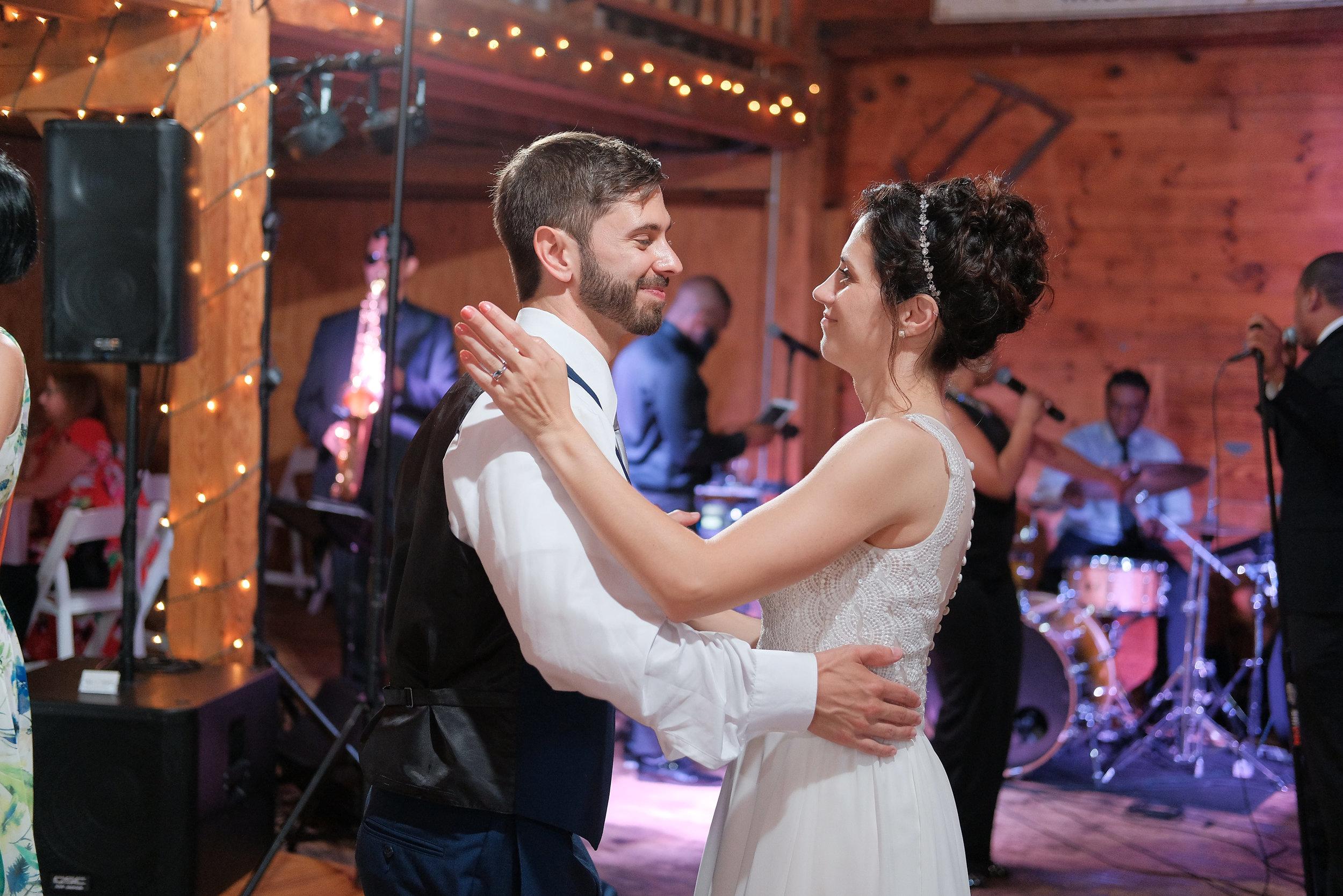 Peabody-Smith-Barn-Wedding-Photography-62.jpg