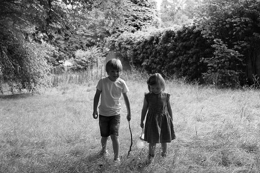 kids-photoshoot-in-park-paisley