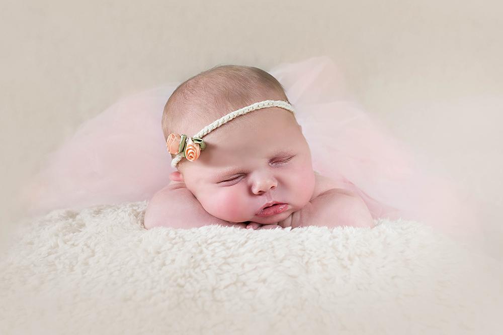 flower-hairband-sleeping-baby-photographer-greenock