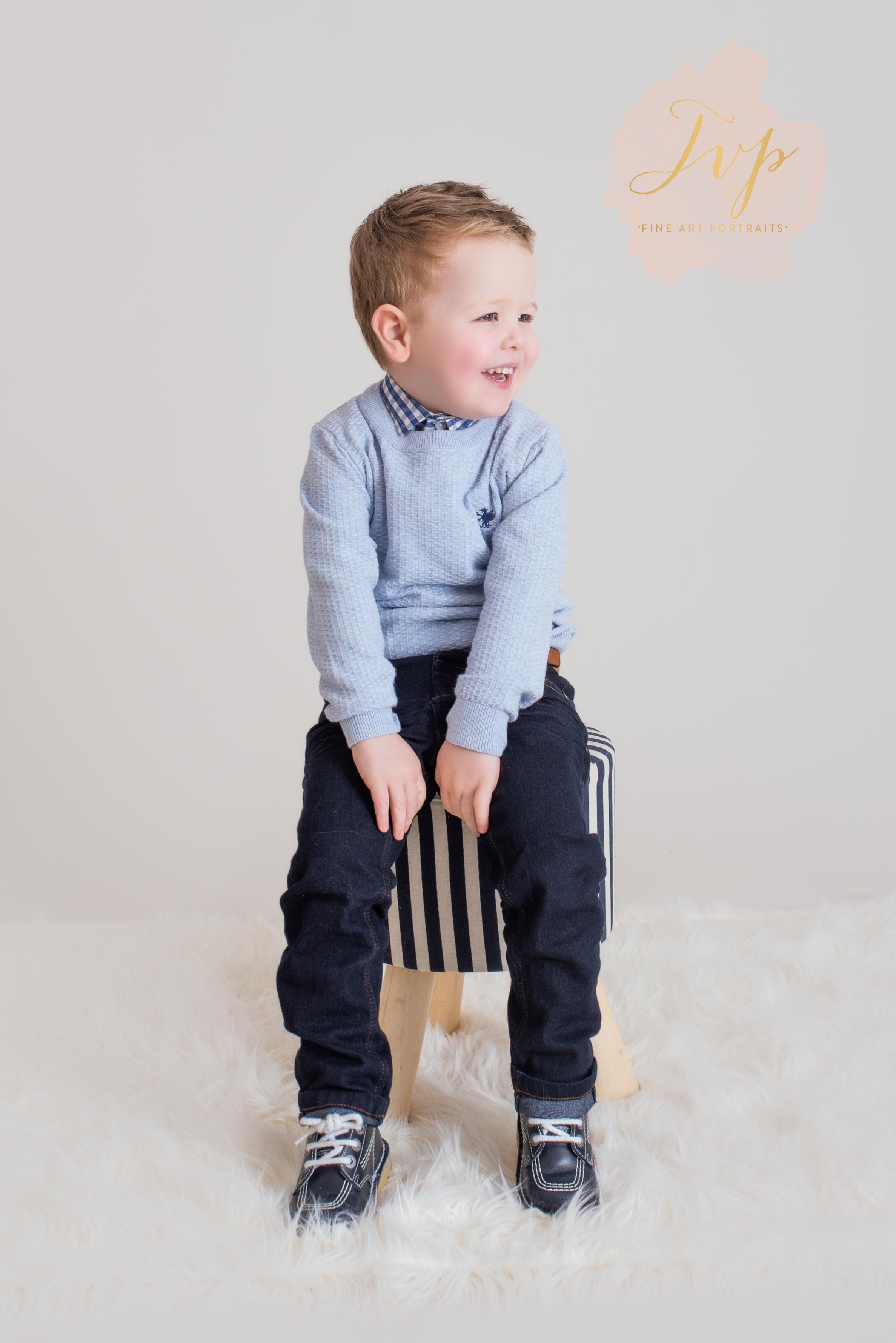 smiling-boy-family-photographer-glasgow