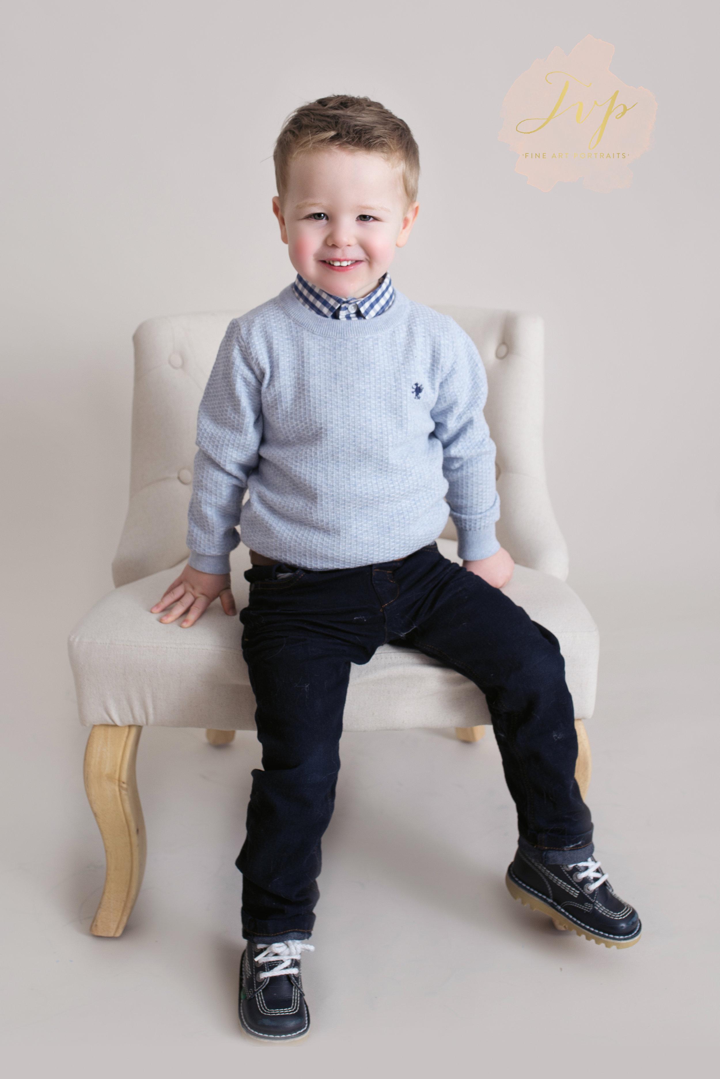 boy-on-chair-family-photographer-glasgow
