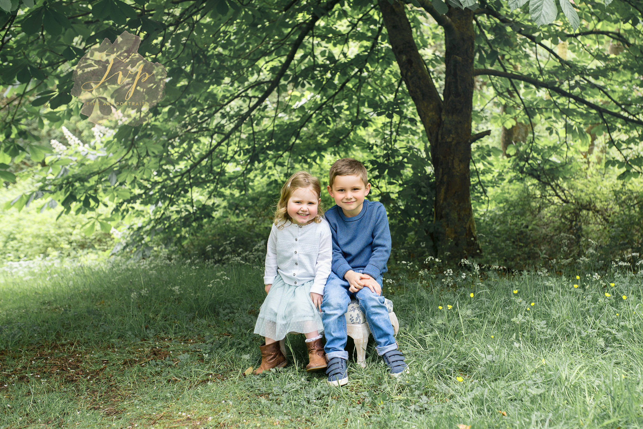 renfrewshire-photographer-siblings-smiling.jpg