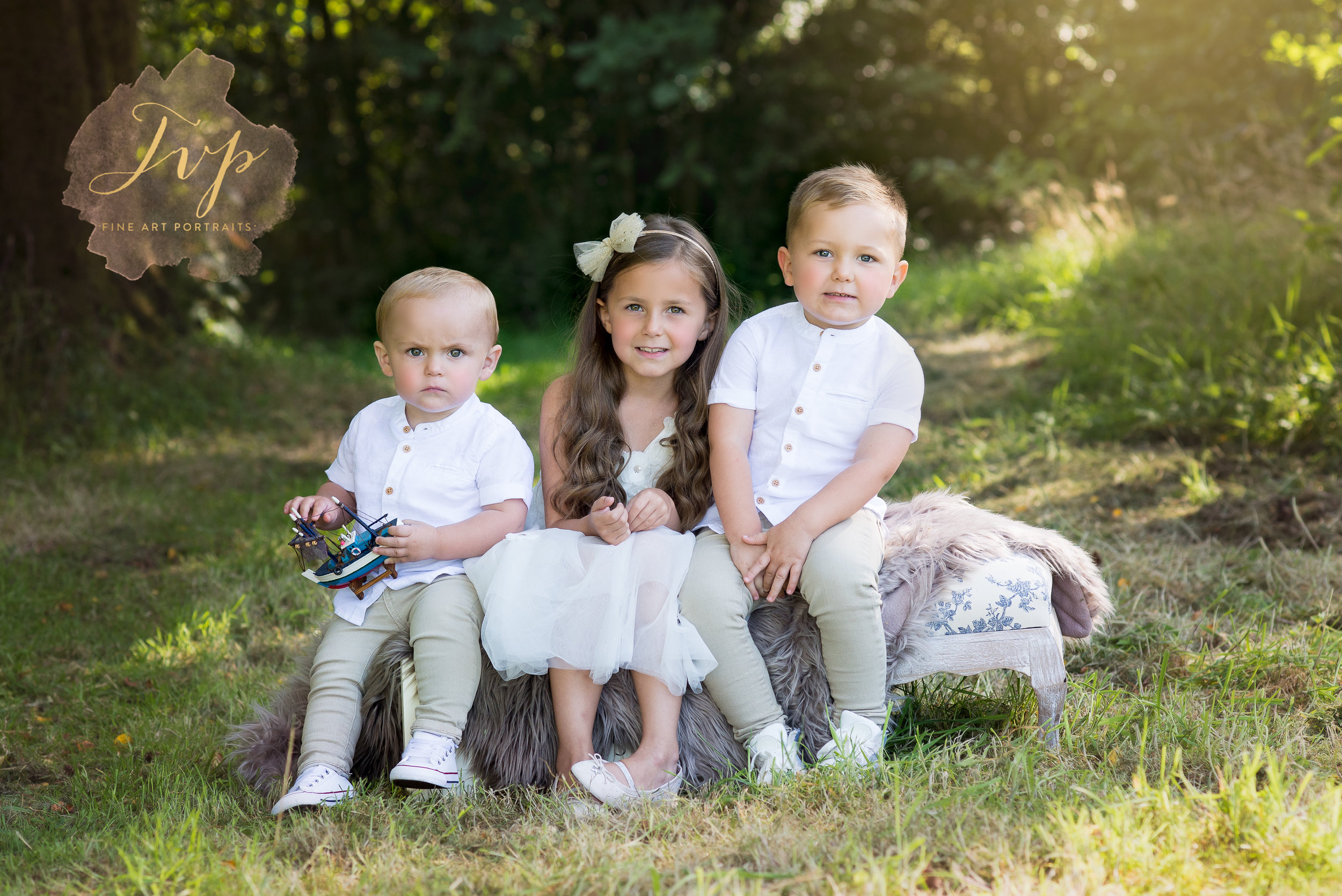 renfrewshire-photographer-outdoor-siblings-shoot