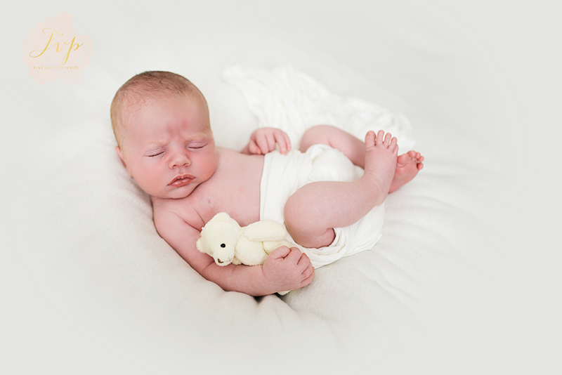 baby-photographer-paisley-hunter-teddy.jpg