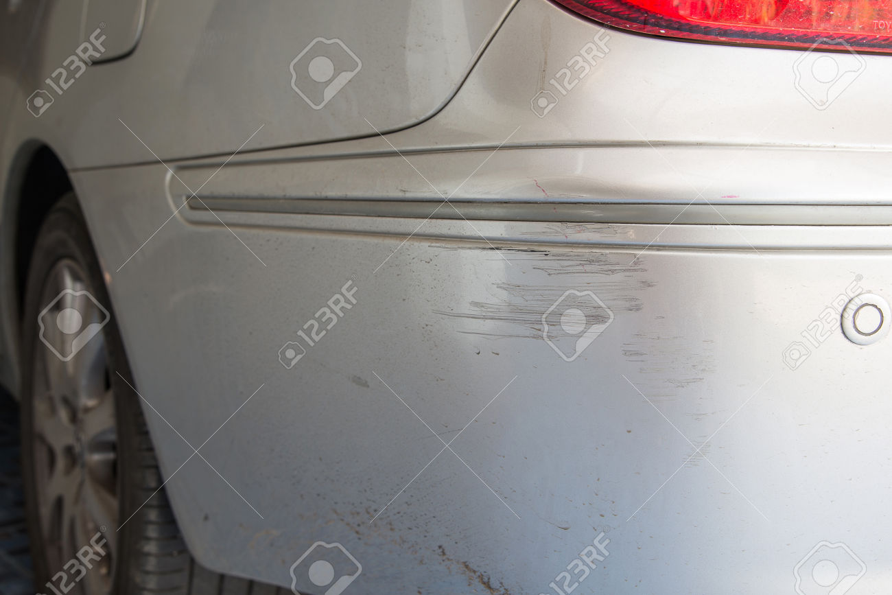 53545135-Blonde-Car-scratched-Car-accident-Chipping-paint-on-rear-car--Stock-Photo.jpg