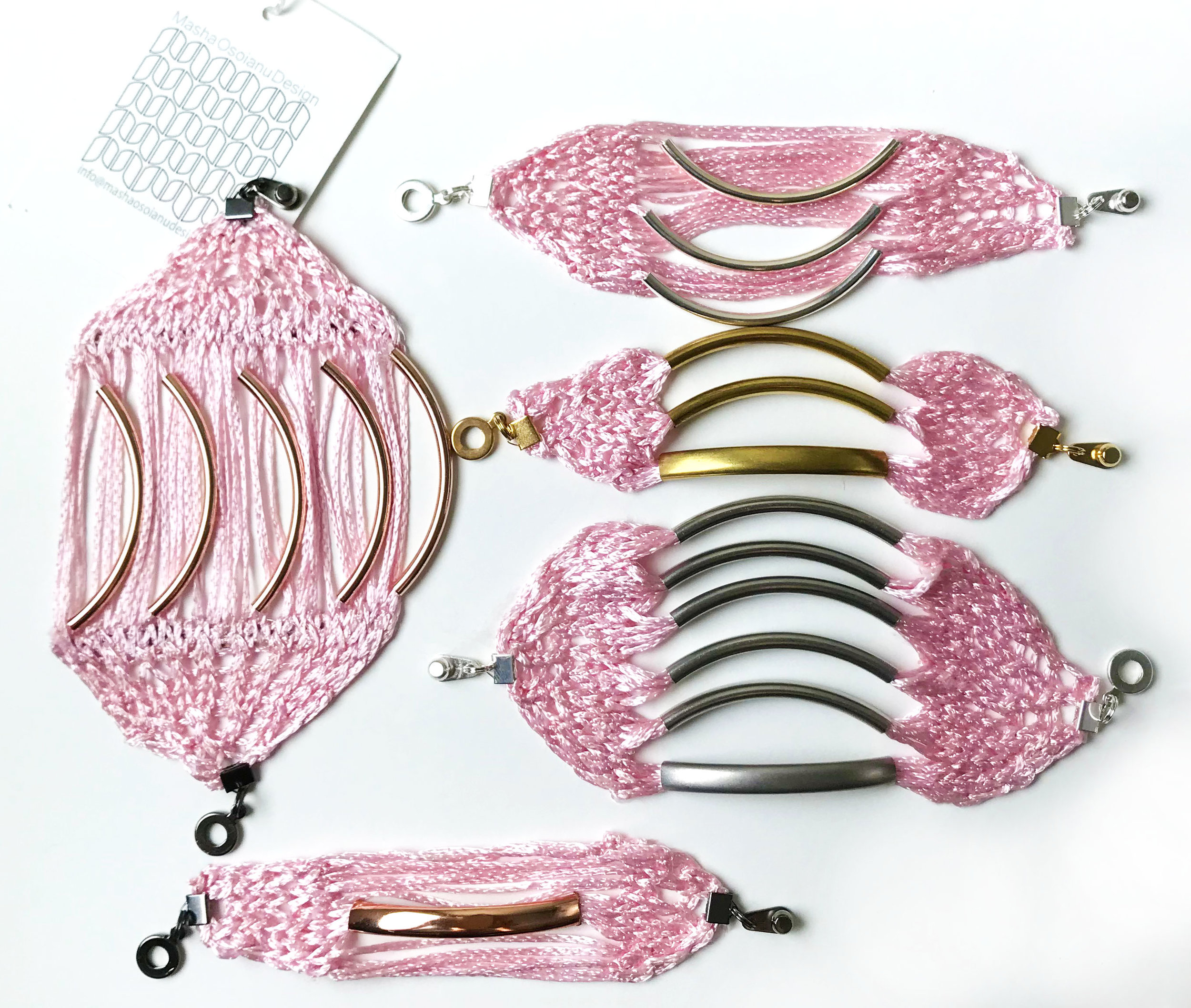 Pink-Bracletes---Bridesmaids-gift.jpg
