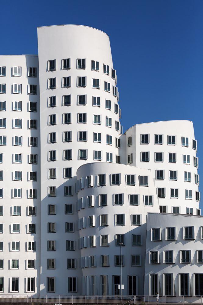 LDKphoto_Dusseldorf-Neuer Zollhof-015.jpg
