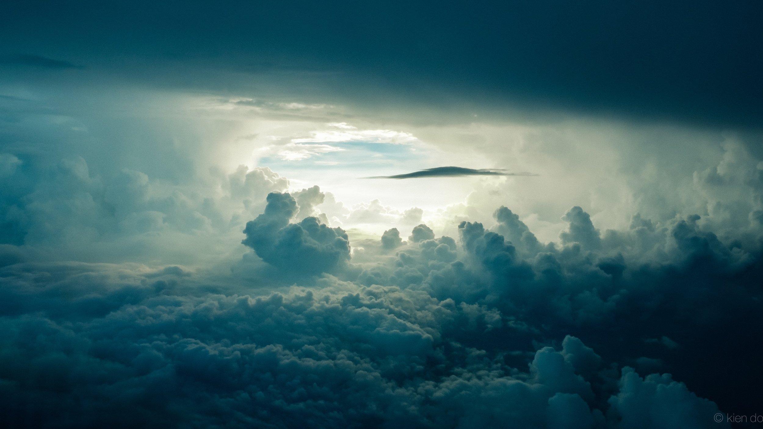 I've been calling it Teal Clouds by  Kien Do.  https://unsplash.com/@kiendo