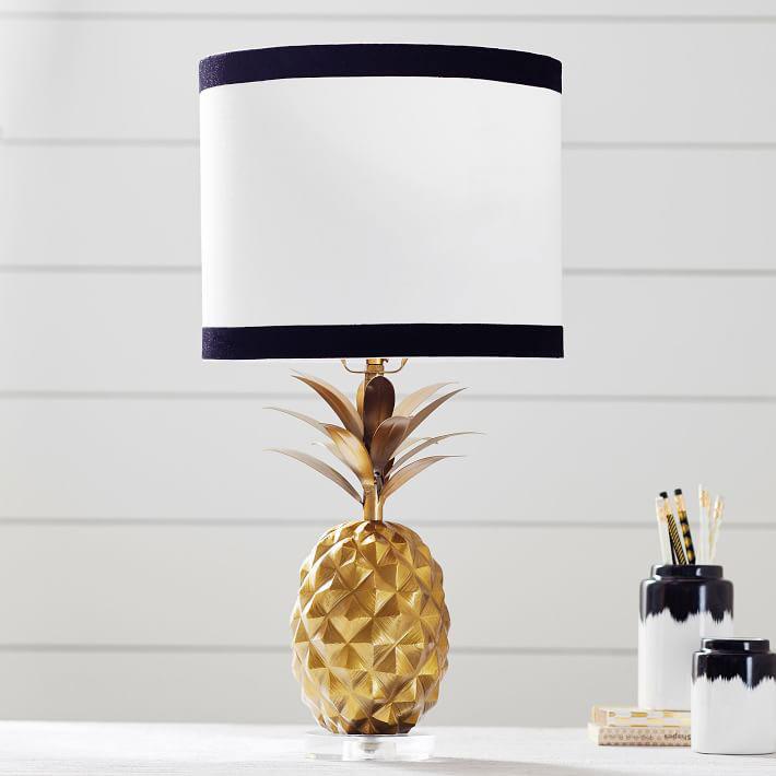pottery-barn-pineapple-lamp.jpg