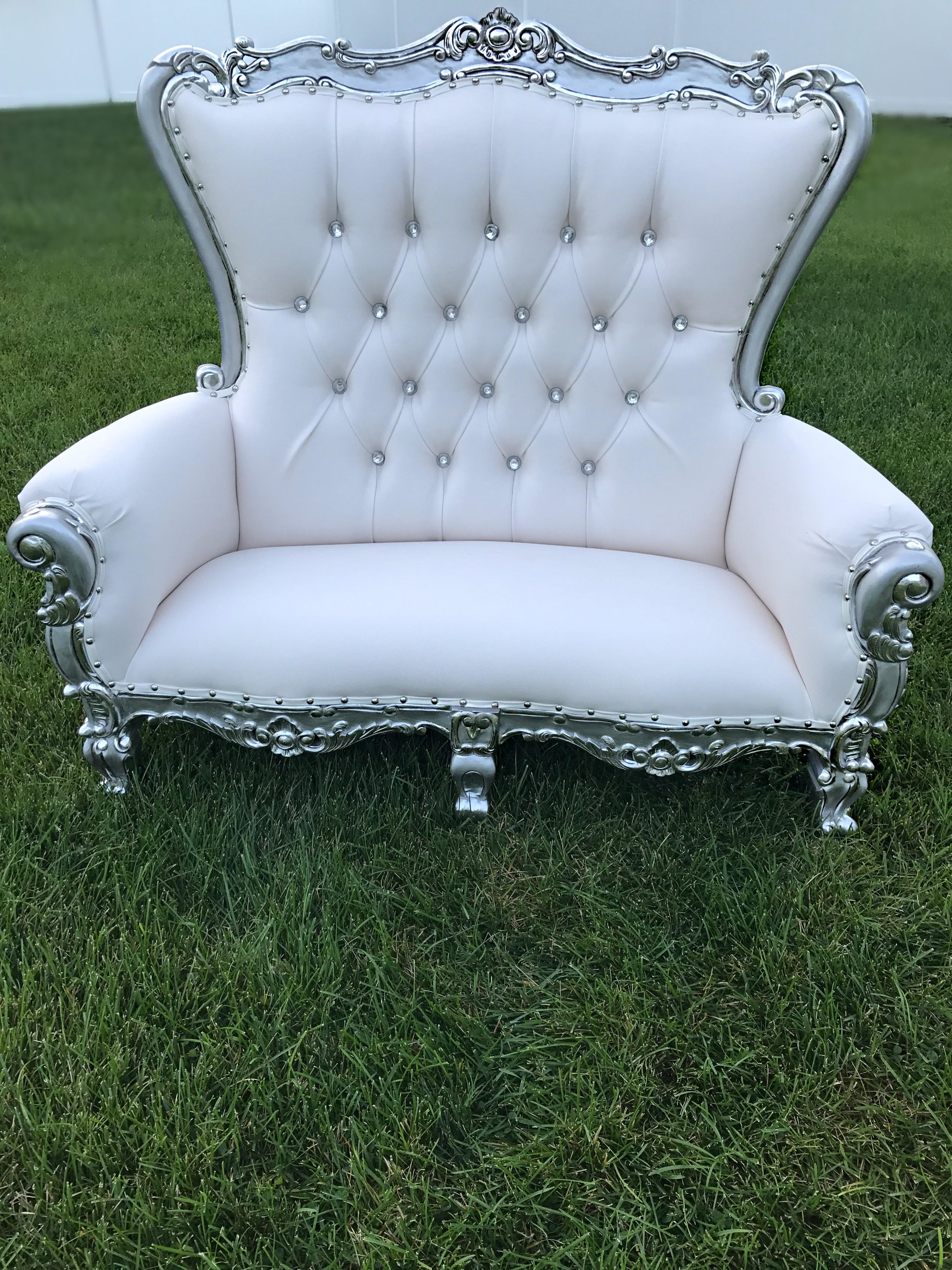 silver:whitethrone.jpg