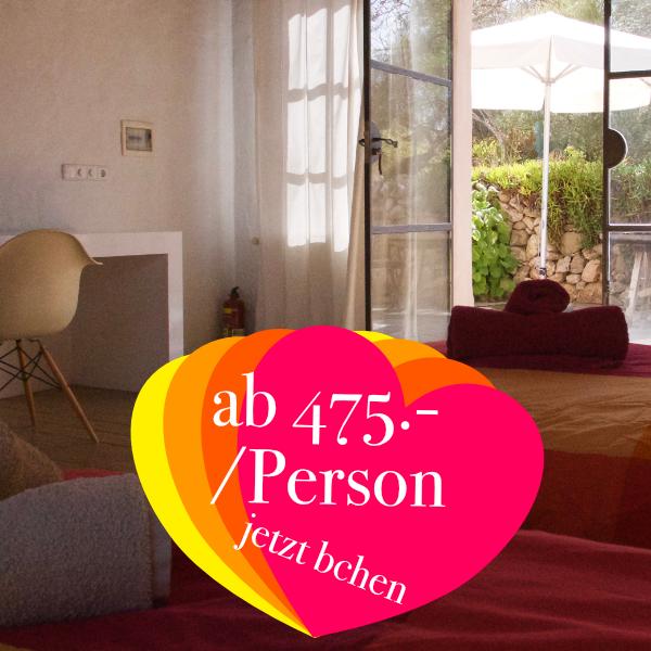 Atelier mit eigenem Bad & WC  ab 475.- Euro / Person  Das Atelier verfügt über 3 Einzelbetten, genügend Platz und ein eigenes Duschbad. Ausserdem hat es eine eigene Terrasse, die direkt an den Garten anschließt.