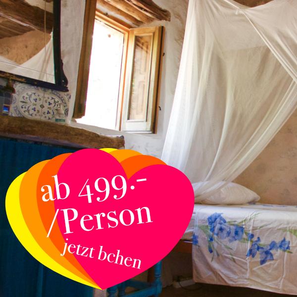 Einzelzimmer (Beispiel) mit geteiltem Bad & WC  ab 499.- Euro  Die Einzelzimmer verfügen über ein Bett und eine kleine Waschgelegenheit