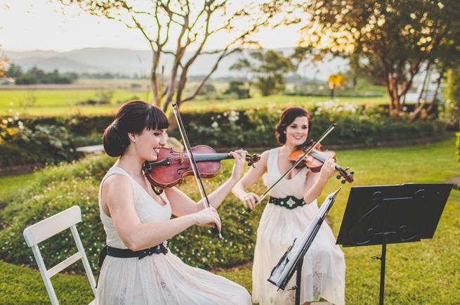 Wedding musicians 2.png