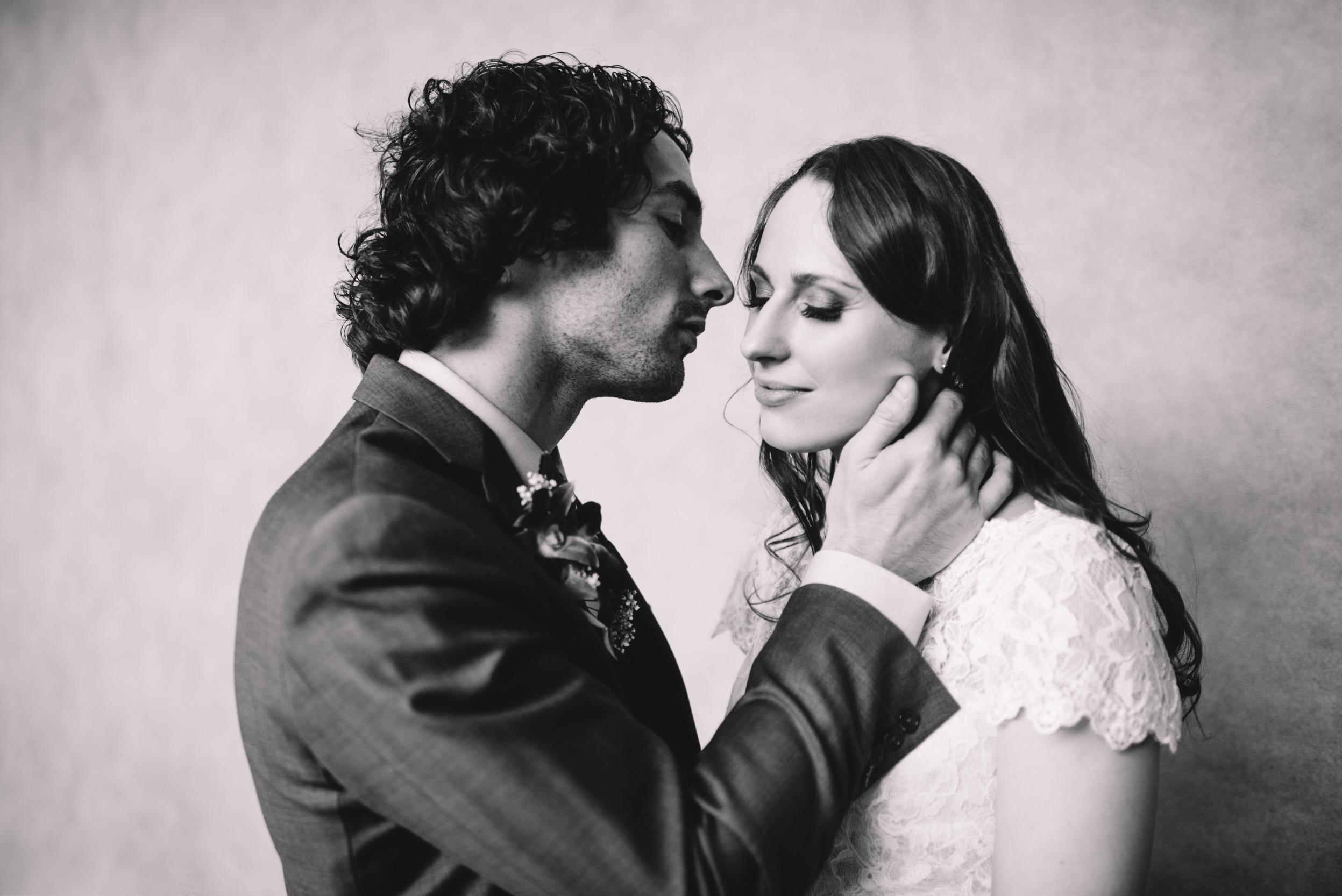 Pittsburgh Elopement Wedding Photographer - Carnegie Museum - Olya Tyler432.jpg