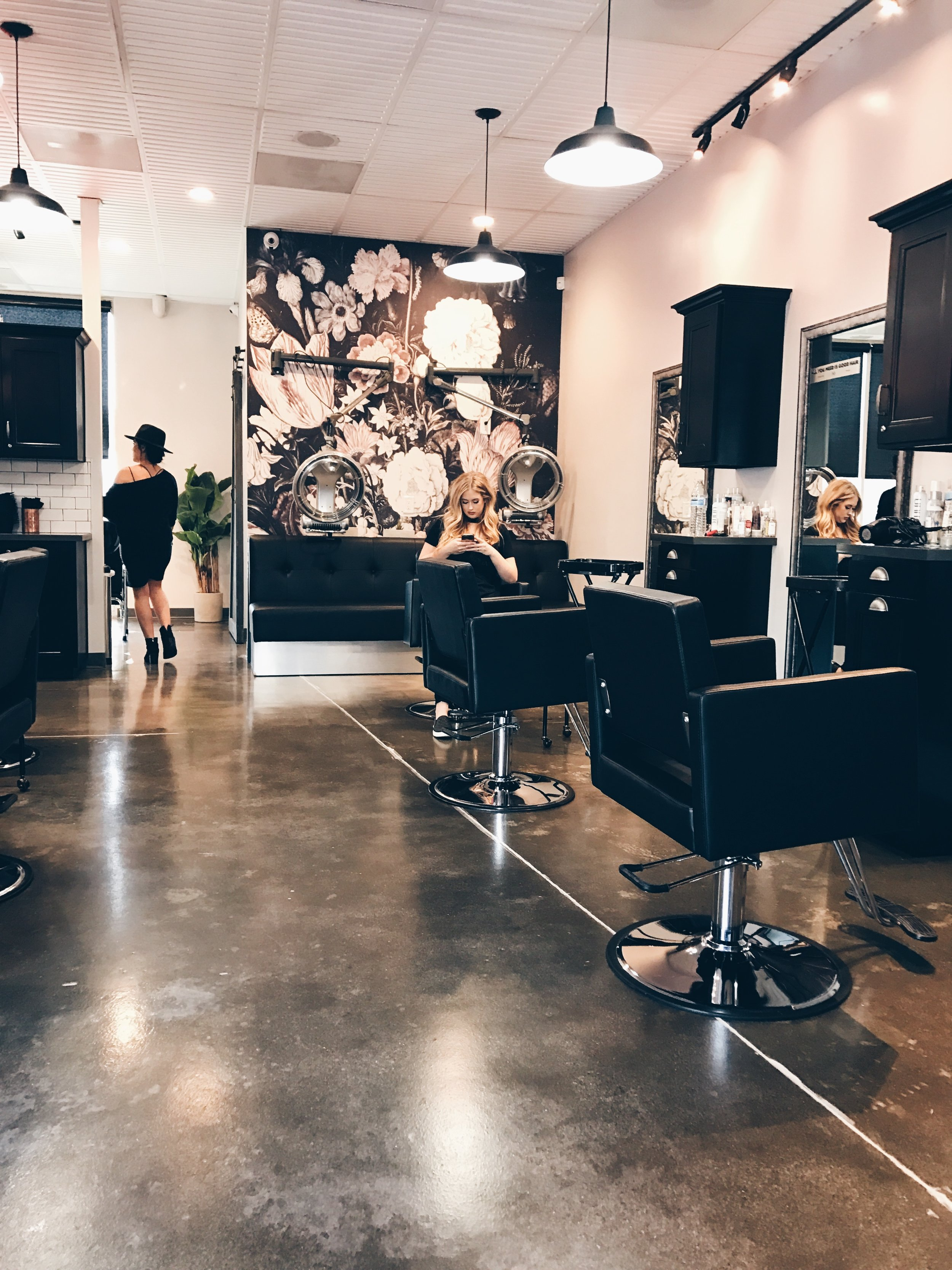 The Painted Nest Studio in Brea, CA. The set where Michi Yamashiro is about to turn my hair from basic to unicorn.