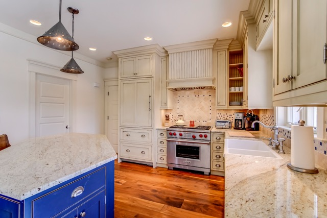 Glenview-Manor_Kitchen-Counter.jpeg