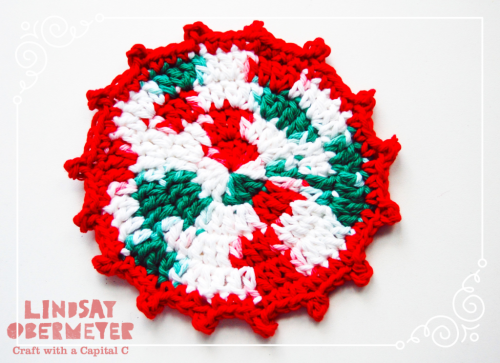 ©2016Lindsay-Obermeyer-Free-Pattern-Christmas-Crochet-Coaster