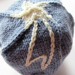 ©2013Lindsay-Obermeyer-wish-upon-a-star-baby-boy-beanie-free-pattern