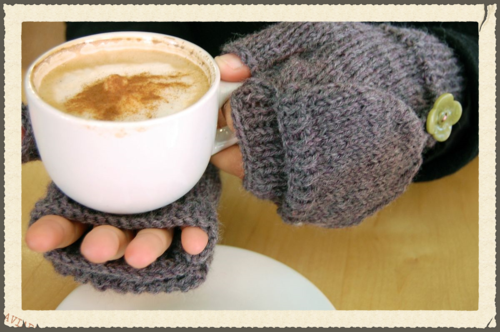 ©2015Lindsay-Obermeyer-Fingerless-Mittens-Two-Needle-Ehow